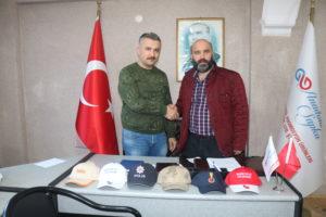 GEYİKLİ 'DE ANADOLU ŞAPKA ÜRETİYOR