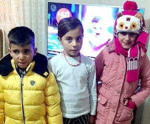 """İstanbul Çepni Boyu Derneği'nin başlattığı """"BİR MONT BİR BOT"""" Çocuklara Ulaştı"""